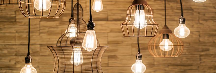 différentes suspensions et ampoules LED vintage et design